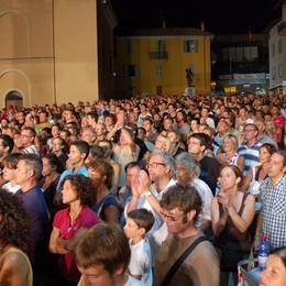 De Sfroos a Lenno  Attesi in duemila  al concerto gratuito