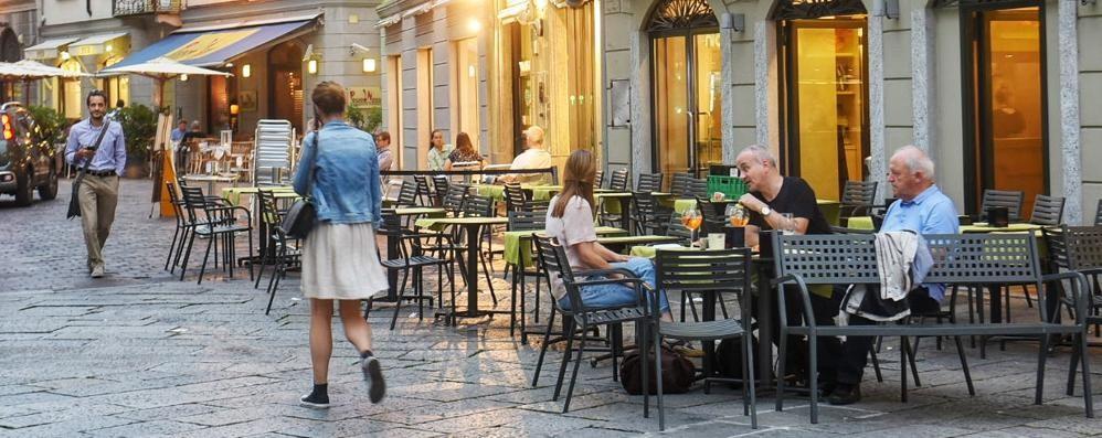 Via Boldoni, spunta il coltello  Un arresto tra i tavolini del bar
