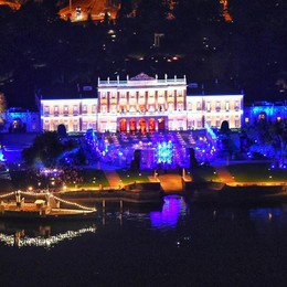 Miliardari indiani  show a Villa Olmo  I fuochi d'artificio (video)