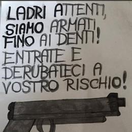 Cartello choc: «Ladri, siamo armati»  Il sociologo Magatti: «Salvini fa scuola»