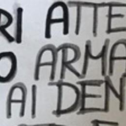 Salvini e il cartello con la pistola  «Non istigo,  tutelo i cittadini»