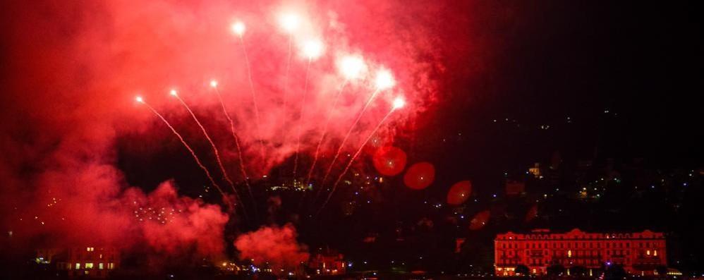 Troppi fuochi d'artificio  Cernobbio fa i conti con la sua bellezza
