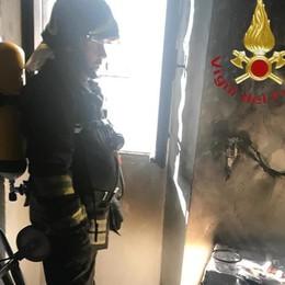 Appartamento a fuoco Vigili del fuoco a Pellio