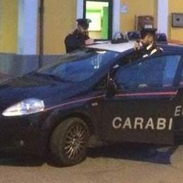 Mozzate, picchia i carabinieri Arrestato un uomo in stazione