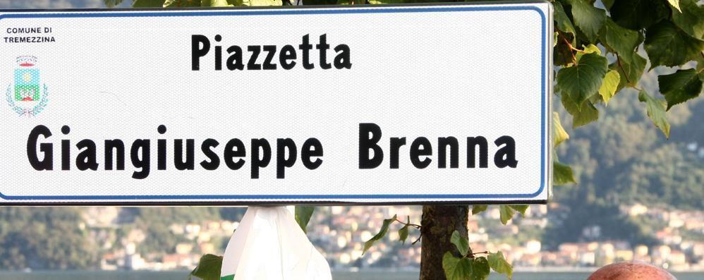 Piazzetta Brenna a Lenno  «Omaggio a un vero protagonista»
