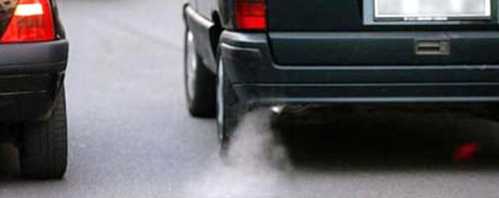 Auto inquinanti, dal 1° ottobre lo stop  Ecco tutte limitazioni in Lombardia