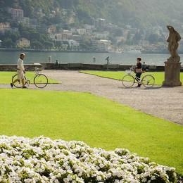 Como, Villa Olmo inaccessibile  Il Comune contesta l'impresa