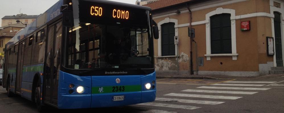 Cantù, inveisce contro l'autista del bus  Denunciato per interruzione di servizio