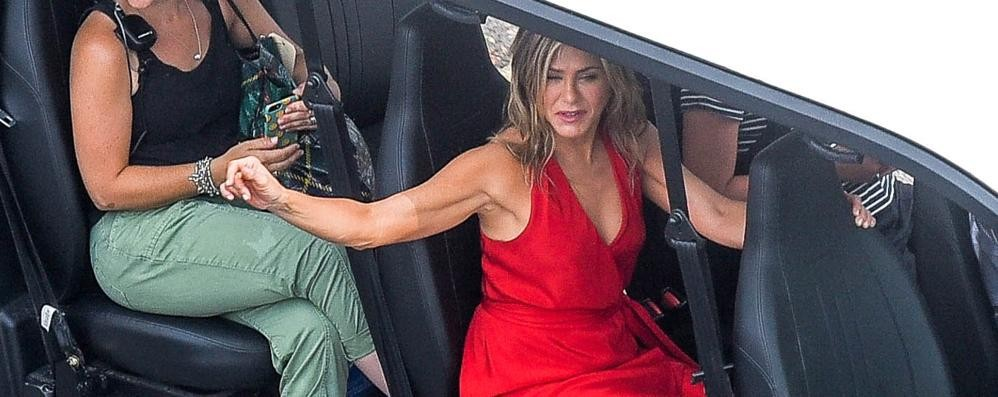 Como: Aniston e Sandler   tra incidenti e fughe