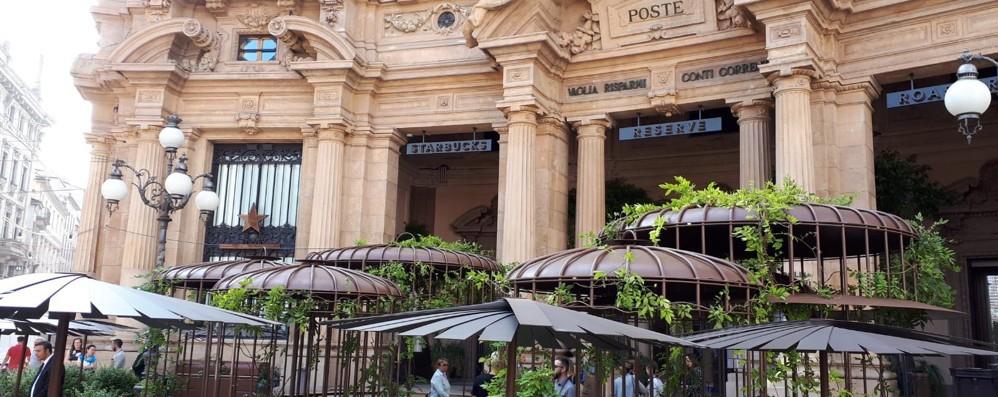 Festa in piazza  per il primo Starbucks  Como firma il verde