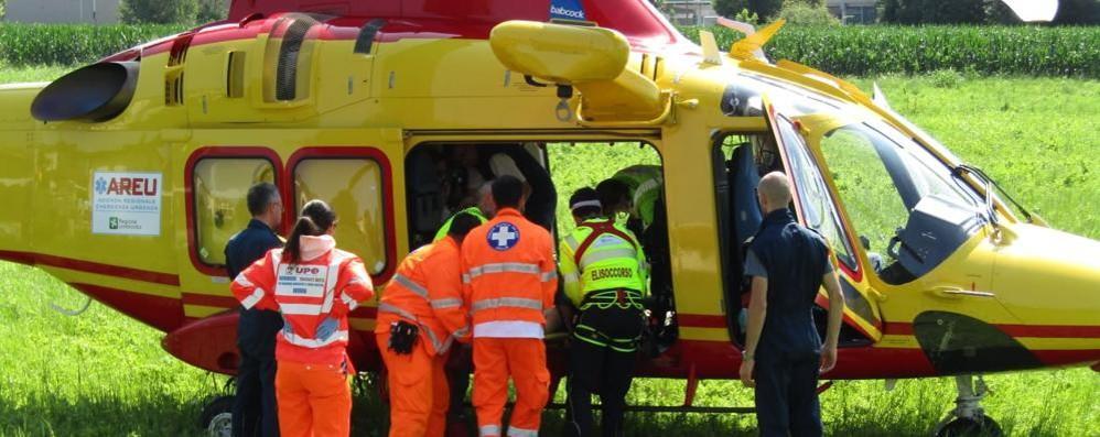 San Siro, grave motociclista nello scontro  Interviene l'elicottero, altri due feriti