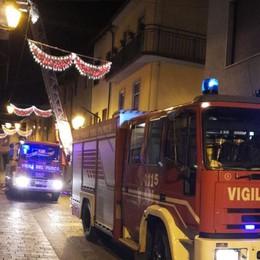 Lomazzo, fiamme in centro: va a fuoco la canna fumaria