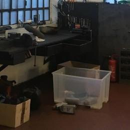 Villa Guardia, ladri in officina  «Hanno preso anche il trattore»