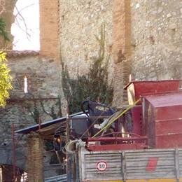 Cantù, lavori vicino alla Porta Ferraia  «Attenzione, è un bene della città»