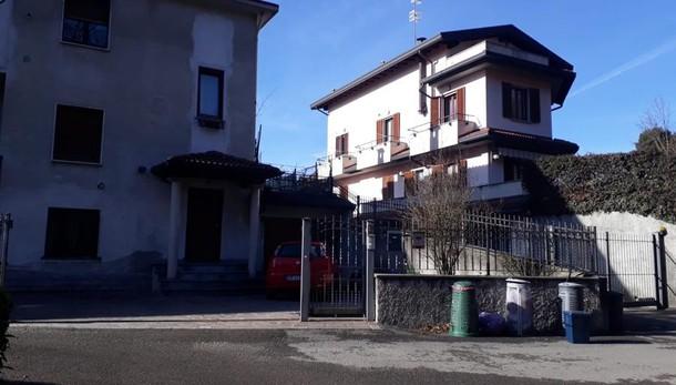 Capiago, finestra distrutta  Ennesimo furto in casa