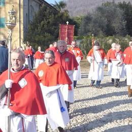 Erba torna ai tempi  delle confraternite  Tra fede e tradizione