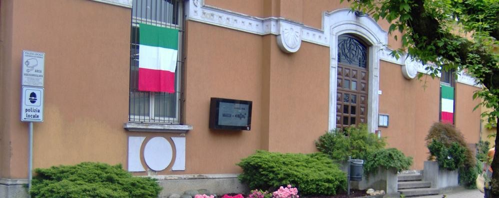 """Foto """"censurata"""" dal sindaco  Se ne va il direttore del Notiziario"""