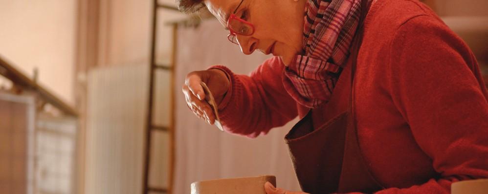 Le mani di Agnes  Così la porcellana  diventa arte