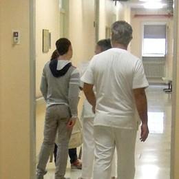 Erba, ruba un portafogli in ospedale  Inseguito dai parenti in attesa