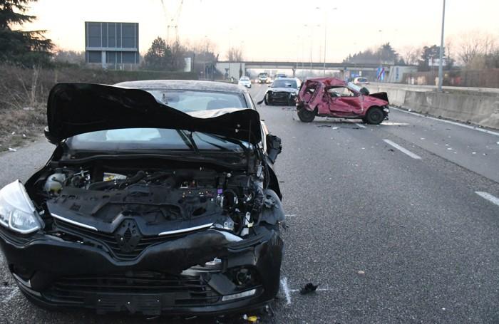 Le immagini del tragico incidente sulla Milano-Meda all'altezza di Cesano Moderno in cui è rimasto ucciso un tassista di Carugo