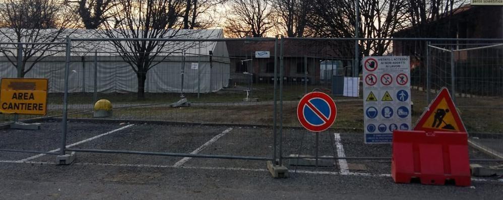 Area feste, via ai lavori tra le polemiche  «La zona verde diventerà un posteggio»