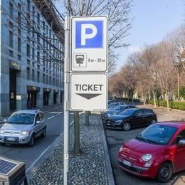 Como, caos parcheggi: una farsa L'assessore non spiega  e la giunta fa come se nulla fosse