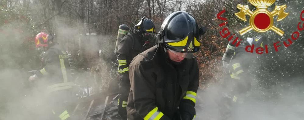 Montano, tetto in fiamme  Brucia l'azienda agricola