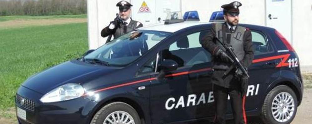 Aggredisce moglie e carabinieri Un arrestato a Carbonate