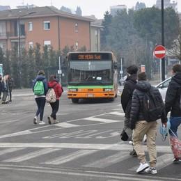 Cantù, bus in ritardo nelle scuole  Essere puntuali è una vera impresa