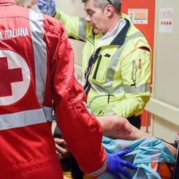 Cerca di morire, salvata dai carabinieri  Aveva appena perso il figlio di 18 anni