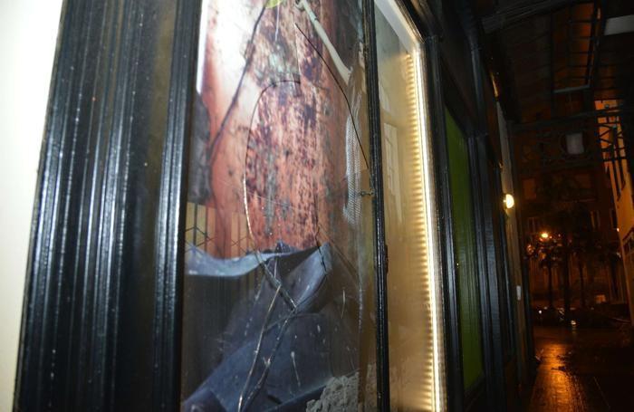 Como Portici Plinio sfondata la vetrina del negozio Mathis