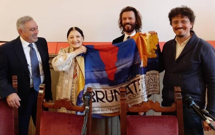 Merini, un mese di eventi per il decennale  Apre Brunate col premio a Carla Fracci