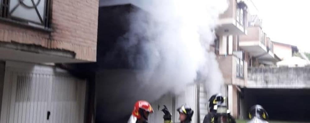 L'intervento dei vigili del fuoco in via ai Ronchi a Mozzate