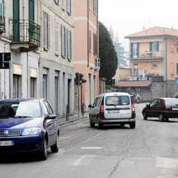 Cernobbio, paura sull'autobus  Ubriaco minaccia con il coltello