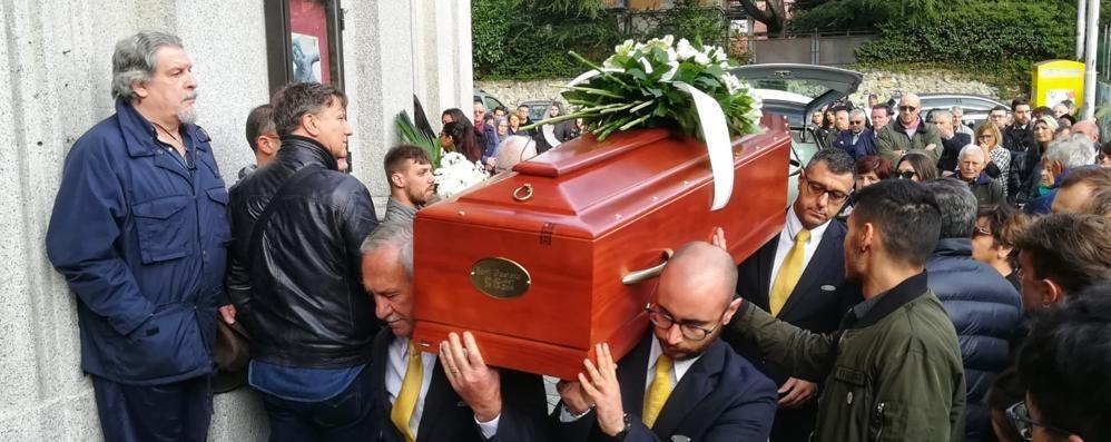 Como, in tanti per Gaetano Il funerale a Rebbio
