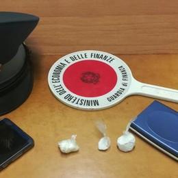 Vende 8 grammi di cocaina  Arrestato spacciatore a Merone