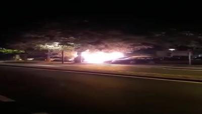 Auto in fiamme a Mariano Comense