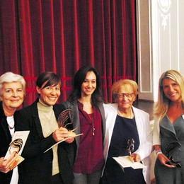 Festival del Legno, premio a 4 donne   Ad applaudirle c'è anche Zanetti