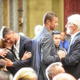 L'addio a Sergio Mascheroni  Milan e Crotone ai funerali