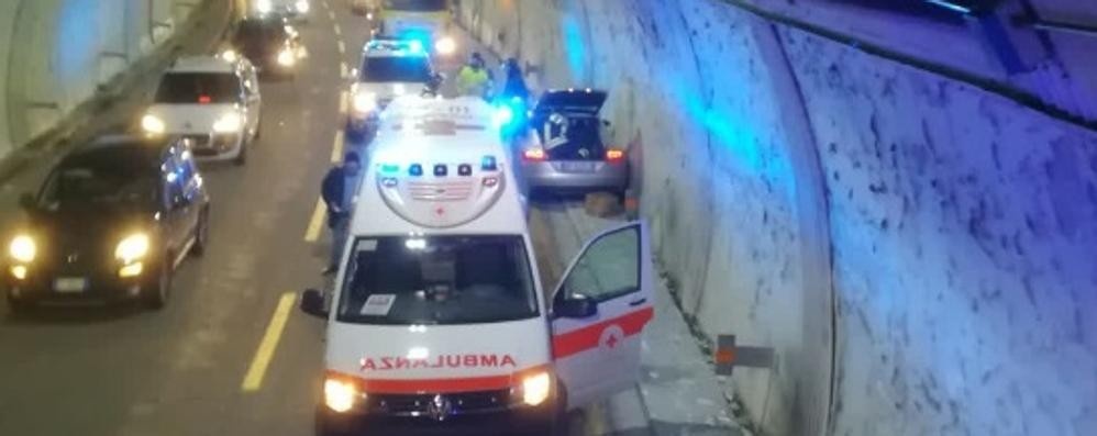 Incidente in galleria  Code sulla A9 a Como