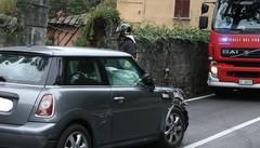Menaggio, fuori strada in auto Illesa signora di 90 anni