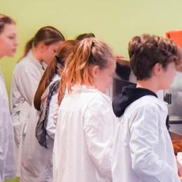 Salasso mense, 883 euro all'anno  per sfamare i figli a scuola