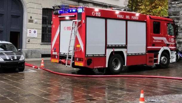 Si allaga lo scantinato del liceo Porta Torre, intervento dei vigili del fuoco