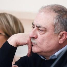 """Caso Lanzara, il sindaco tace ancora  E sui controlli più rigidi vincono i """"no"""""""
