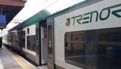 Tenta di prendere treno in corsa  Colico, gravissimo uomo di 60 anni