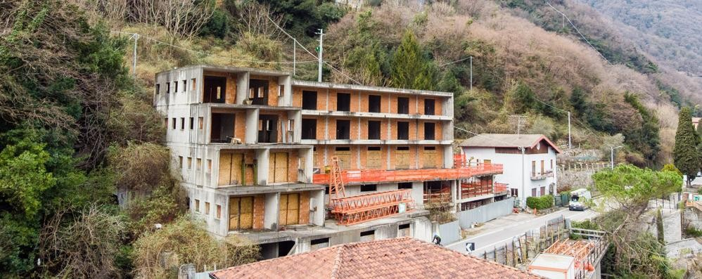 Brienno, l'ecomostro torna all'asta  L'ex night club cerca un compratore