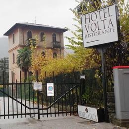 Caporalato all'hotel Volta  Arresto non convalidato  Torna libero l'albergatore