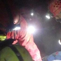 Ferito soccorso nella grotta  Esercitazione del Soccorso speleologico