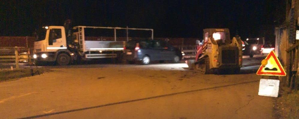 Ponte del Passo, protestano i sindaci    «Basta con le asfaltature pazze»