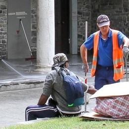 Spintonata da un senzatetto  Paura per l'assessore Negretti
